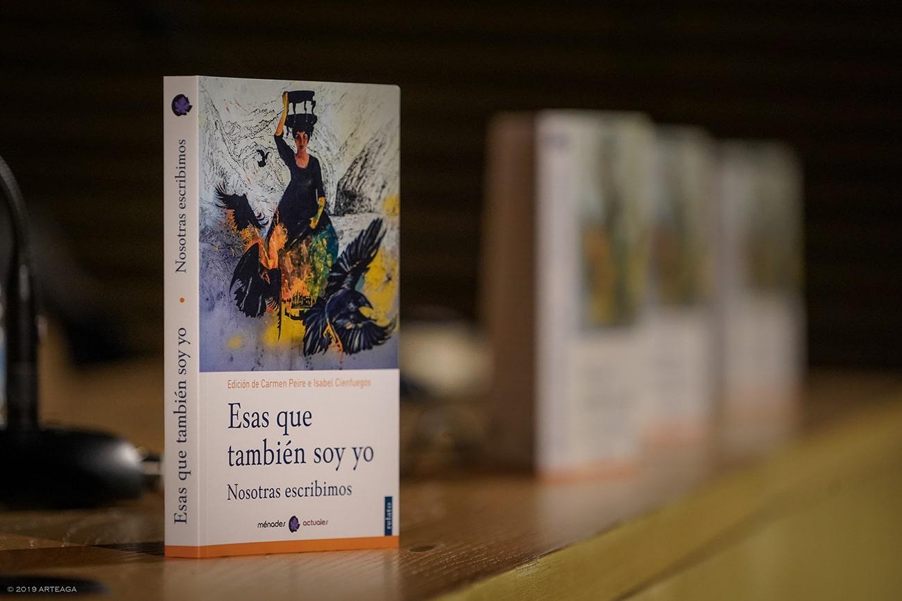 Firma de libro Esas que también soy yo - Isabel Gómez Liebre